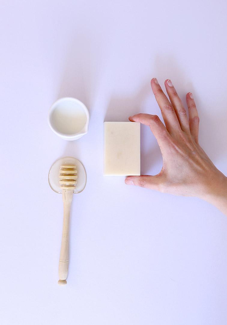 Recette de savon sans soude caustique à base de lait et de miel