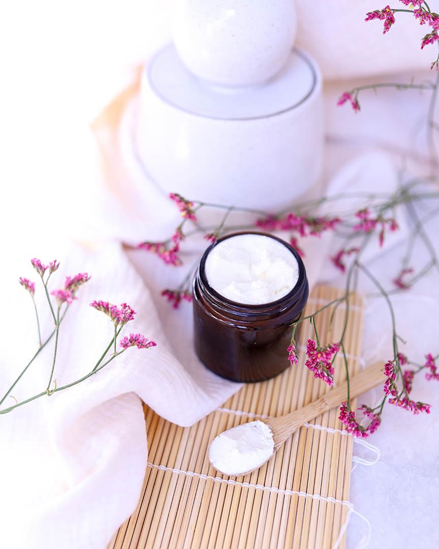 pot de déodorant sans bicarbonate pour peaux sensibles.
