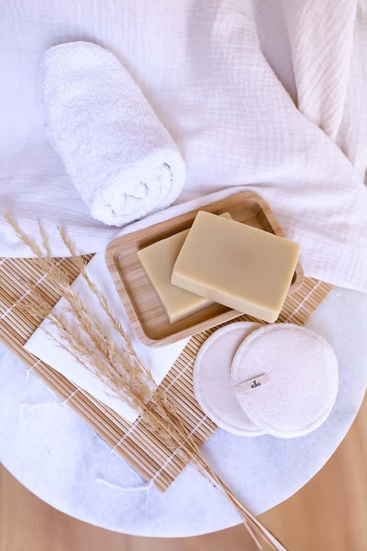 Découvrez les bienfaits du savon saponifié à froid au lait de chèvre.