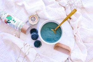 Recette de masque pour les cheveux à base de spiruline.